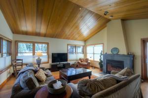 Cascades A-1 Four-bedroom Apartment - Telluride