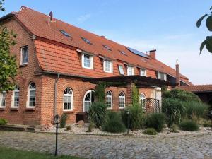 Urlaub im Landhaus mit Sommerküche L - Klein Pravtshagen