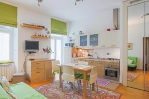 obrázek - Triestevillas Cologna15, public garden, 1 double bedroom