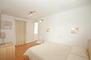Karboni Hotel, Penziony  Mykonos - big - 11