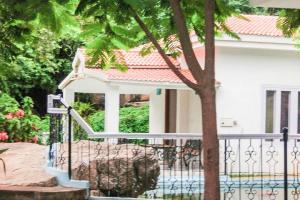 1-BR cottage in Banjara Hills, Hyderabad, by GuestHouser 4595, Case vacanze  Hyderabad - big - 1