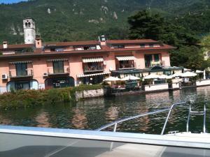 Blue Lake - AbcAlberghi.com