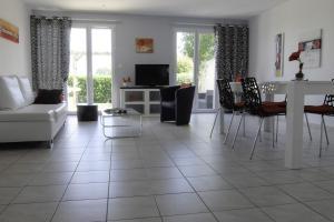 Home black & white - Périgny