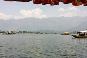 Houseboat for a group in Sri Nagar, by GuestHouser 23967, Hotely  Srinagar - big - 14