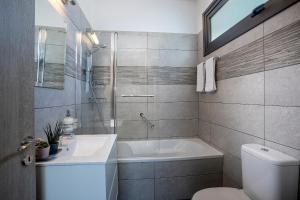 Louis Chris Le Mare - Luxury Villa, Villen  Protaras - big - 23