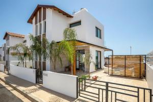 Louis Chris Le Mare - Luxury Villa, Villen  Protaras - big - 12
