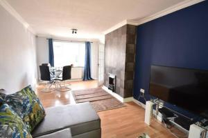 obrázek - Beautiful 3 Double Bed Home Solihull NEC/BHX
