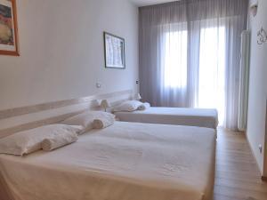 La Camera Bologna-Stazione Affittaly Rooms - AbcAlberghi.com