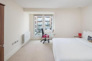 Modern 3 Bed, 2 Bath flat w/Garden in East Acton, Apartmány  Londýn - big - 3