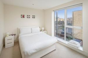 Modern 3 Bed, 2 Bath flat w/Garden in East Acton, Apartmány  Londýn - big - 17