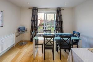 Modern 3 Bed, 2 Bath flat w/Garden in East Acton, Apartmány  Londýn - big - 21