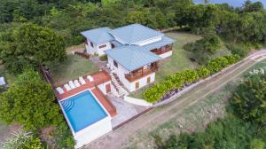 Two Bays Beach Villa, Apartment, and Studios