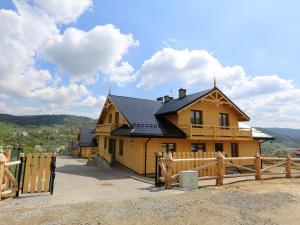 Luxury apartment with mountain views Close to the center and the SKI complex