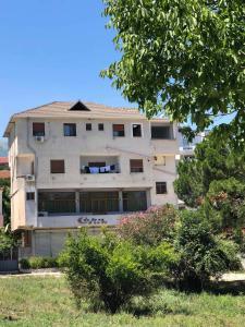View Hotel - Saraqinishtë