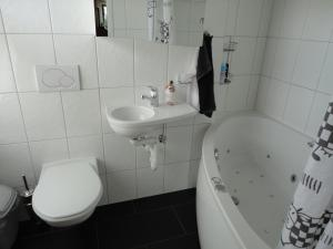 Double Room with Shared Bathroom B & B Auf dem Wolf, St. Jakob