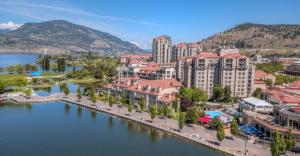 Delta Hotels by Marriott Grand Okanagan Resort - Accommodation - Kelowna