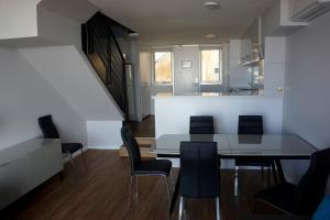 Oceanside 23, Apartmány  Fremantle - big - 19
