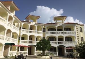 Apartment on the beach with pool, San Felipe de Puerto Plata
