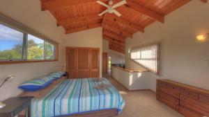Ball Bay House - Norfolk Island Holiday Homes, Dovolenkové domy  Burnt Pine - big - 12