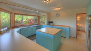 Ball Bay House - Norfolk Island Holiday Homes, Dovolenkové domy  Burnt Pine - big - 4