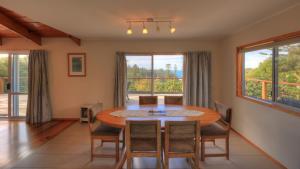 Ball Bay House - Norfolk Island Holiday Homes, Dovolenkové domy  Burnt Pine - big - 2