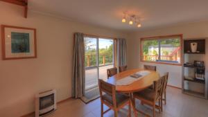 Ball Bay House - Norfolk Island Holiday Homes, Dovolenkové domy  Burnt Pine - big - 27