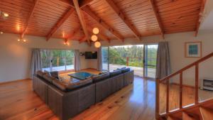 Ball Bay House - Norfolk Island Holiday Homes, Dovolenkové domy  Burnt Pine - big - 33
