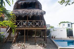 obrázek - Flores Surf Camp