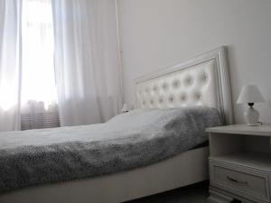 APARTMENT 12 LENINA
