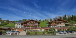 Pension & Appartements Anny - Accommodation - Maria Alm