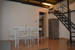Newly renovated apartment Catania centre (up to 6) - AbcAlberghi.com