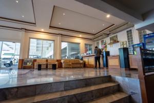 Golden House Service and Apartment - Ban Nong Sanom