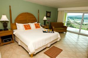 Deluxe Double Room with Garden View Gamboa Rainforest Resort