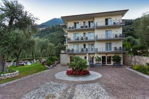 Hotel Garnì Orchidea, Отели  Мальчезине - big - 1
