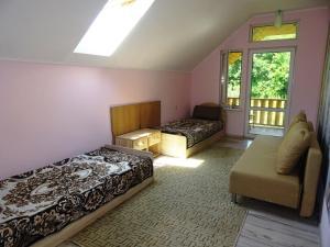 Гостевой дом Домик у горы, Береговое