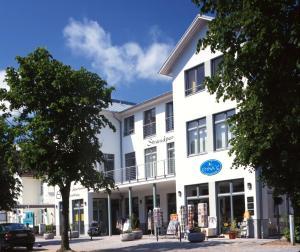 Haus Strandperle, Apartments  Zinnowitz - big - 1