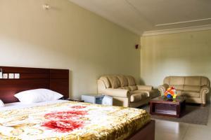 Hotel Mirambeau, Отели  Ломе - big - 36