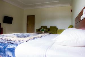 Hotel Mirambeau, Отели  Ломе - big - 38
