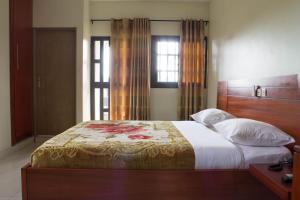 Hotel Mirambeau, Отели  Ломе - big - 43
