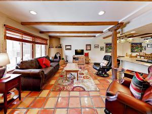 320 Artist Road Unit 94 Condo - Apartment - Santa Fe