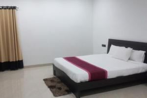 Bungalow with free breakfast in Hyderabad, by GuestHouser 21414, Holiday homes  Hyderabad - big - 1