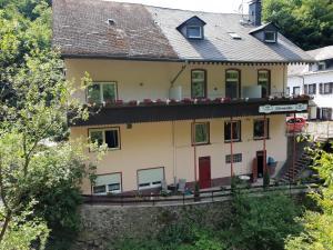 Hotel Elfenmühle, Penzióny  Bad Bertrich - big - 81