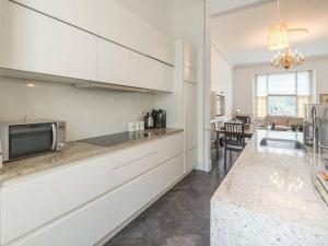 Amazing 3 Bed / 3.5 Bath Apt in South Kensington, Ferienwohnungen  London - big - 4