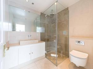 Amazing 3 Bed / 3.5 Bath Apt in South Kensington, Ferienwohnungen  London - big - 23