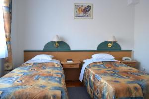 Leier Business Hotel, Aparthotely  Gönyů - big - 58