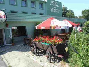 2 hviezdičkový hotel Hotel Śnieżnik (dawniej Marhaba) Kłodzko Poľsko