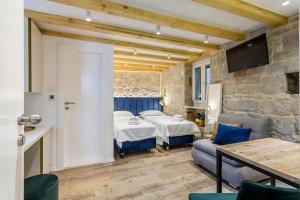 Miara Luxury Rooms