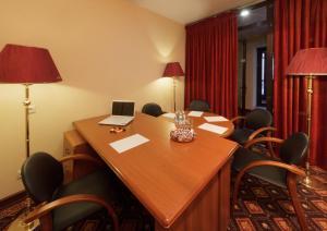 Club Hotel Corona