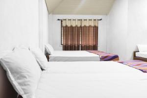 Auberges de jeunesse - Room in a homestay in Yevakapadi, Kodagu, by GuestHouser 22925