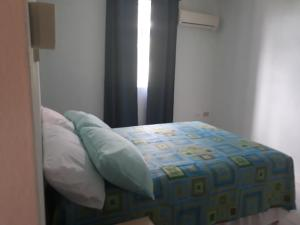 Sweet Serenity with Free Car, Apartmány  Saint James - big - 10